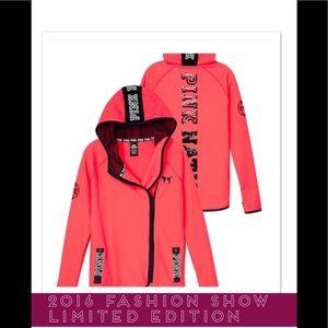 💖PINK Victoria's Secret 2016 Limited Edition coat